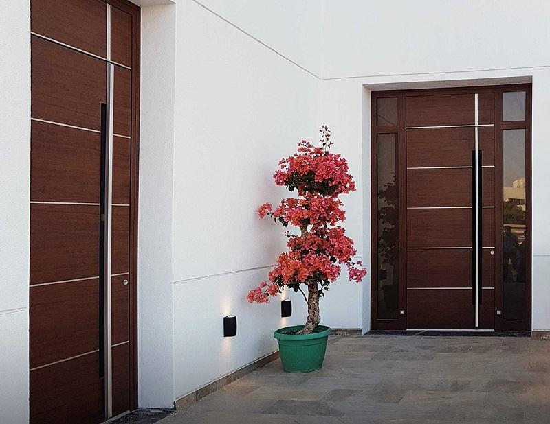 Bejárati ajtókat